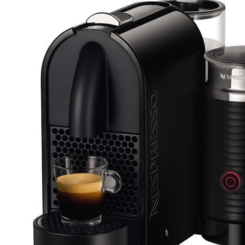 Cafeteira Expresso Nespresso Umilk D55 com 19 Bar de Pressão, Tecnologia Anti-gotejamento, Dispositivo de Leite Acoplado - Preta