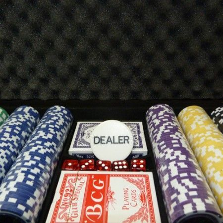 Maleta de Poker Grand Royale Oficial - 300 fichas numeradas 11,5 gramas - 2 deck - Dealer